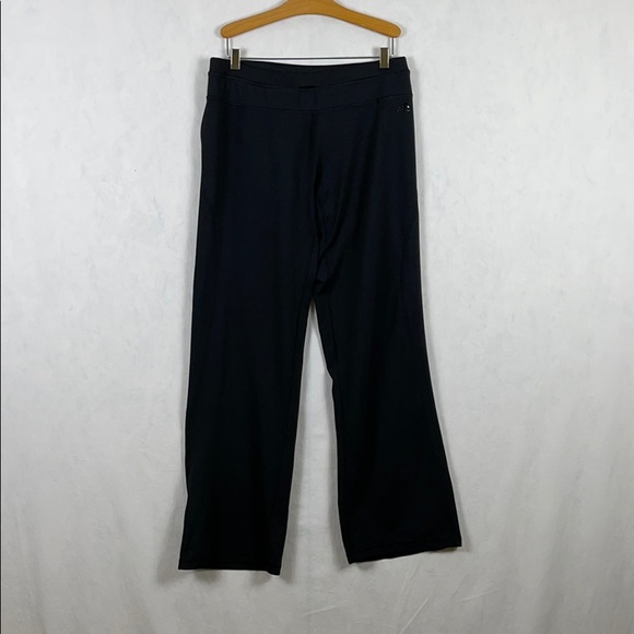 ✨3/$25✨Adidas Black Track Pants Women's - L